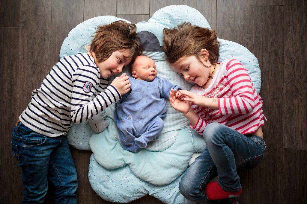 seance famille nouveau ne lifestyle frere et soeurs