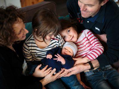 Séance famille lifestyle - Bienvenue petit bonhomme.